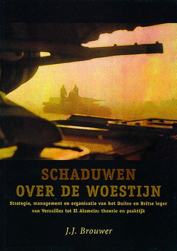 Schaduwen over de woestijn (2e druk 2004)
