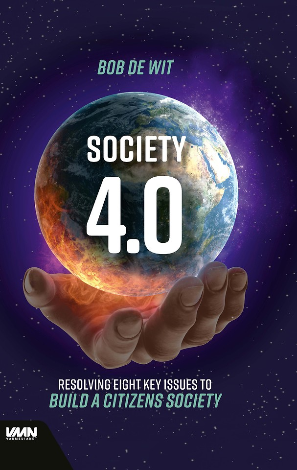 Society 4.0 - Resolving eight key issues to build a citizens society