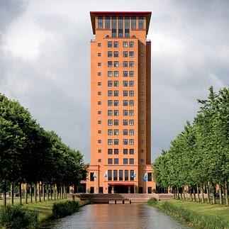 Van der Valk, Houten